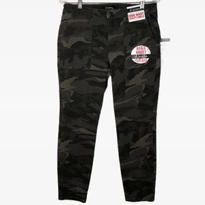 d. jeans Camo Ankle Jeans High Waisted